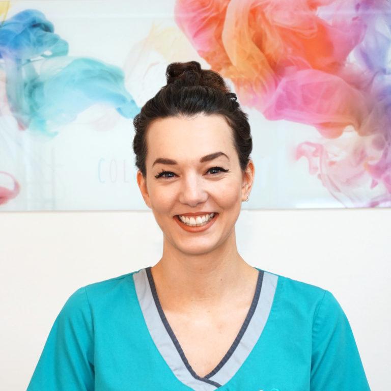 Portrait unserer Kollegin bei SMART Dental Ulm